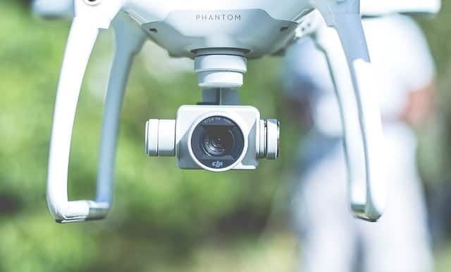 3 Ways Drones are Helping Real Estate Agents to Improve Their Business - let's reach success
