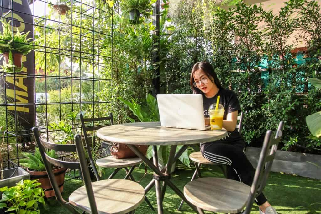 Why Remote Work Is on The Rise (+ Top 100 Companies for Remote Jobs)