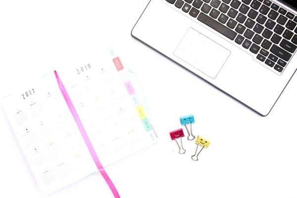 8 Inspiring Desks of Successful People