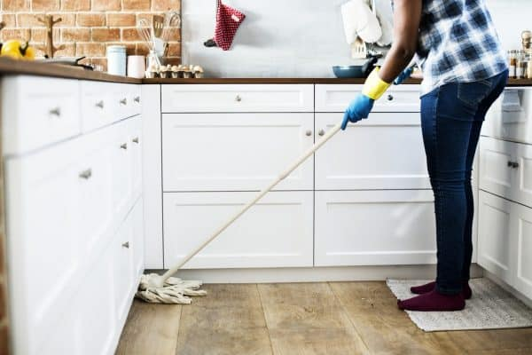 6 Insanely Easy Ways to Save Money Around The House by Going Green
