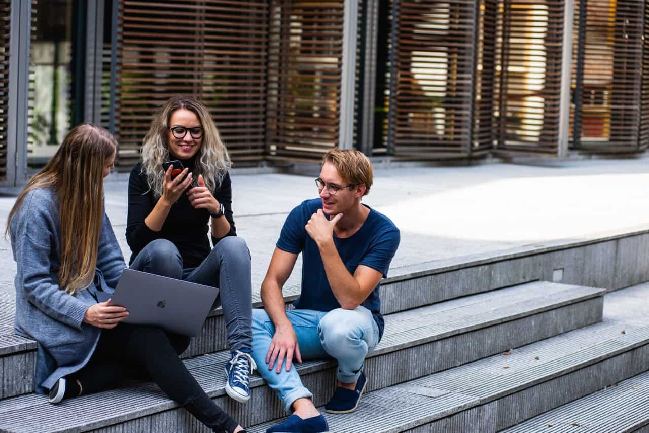 6 Tips to Set Millennials on The Path to Financial Freedom