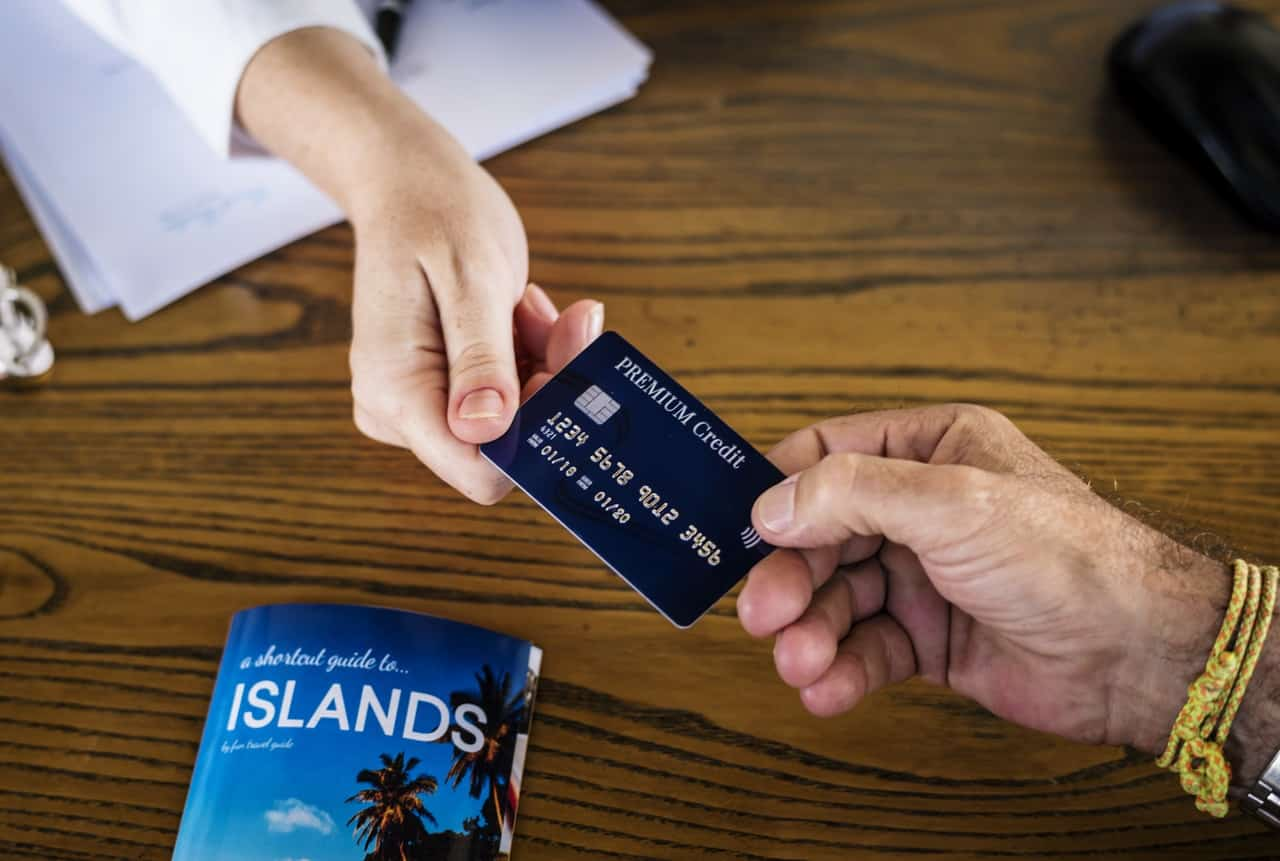 The Difference Between Cash Back And Travel Rewards Credit Cards
