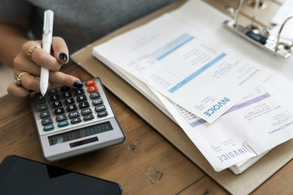 8 Tips to Help You Deal with Late Payments on Invoices