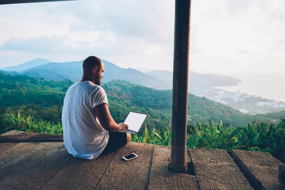 How to Work from Anywhere in The World: A Guide for Aspiring Digital Nomads