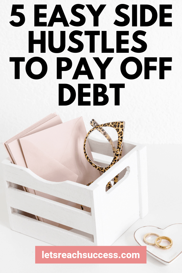 These easy side hustles can be started from home and help you earn an extra income every month and use it to pay off debt: #sidehustleideas #makemoneyonline #moneymakingideas #debtpayoff #makeextramoneyathome #payoffdebtquickly
