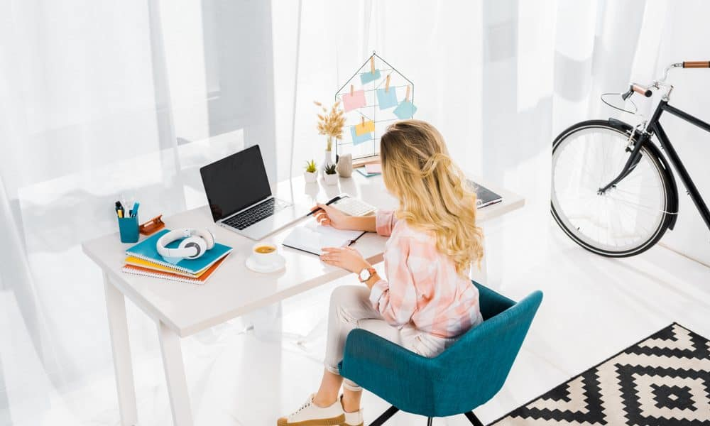 How This Mom Became a Fashion Blogger Making $10K/Month
