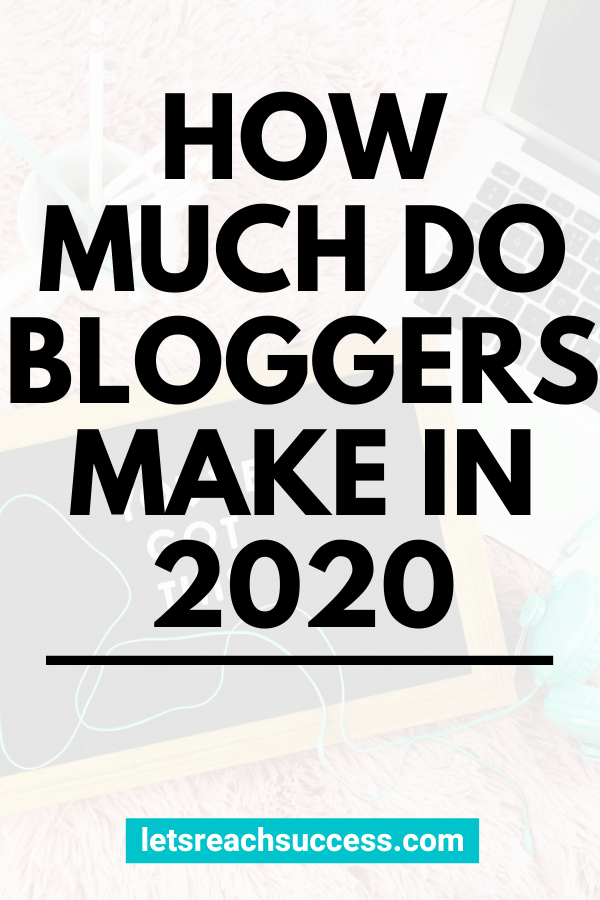 How much money can you make blogging? Learn exactly what new and full-time bloggers earn and what the average blogger salary is: #howmuchdobloggersmake #bloggersalary #blogsalary #bloggingsalary #howmuchmoneycanyoumakeblogging #blogincome