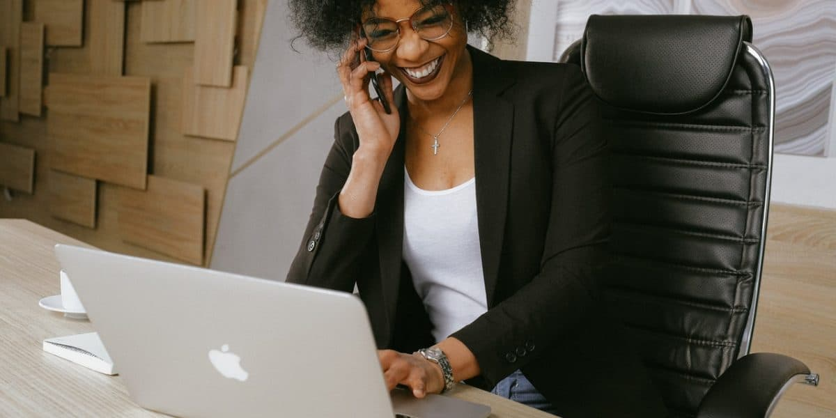 What Is Customer Experience: 7 Tips for Making Customers Happy - call center productivity